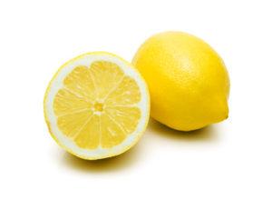 Zahnstein selber entfernen mit Zitrone