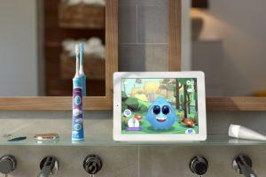 Philips Sonicare Buerste und App vor Spiegel